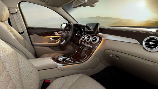 2019 Mercedes-Benz GLC 300 front seat Park Ridge, IL Loeber Mercedes-Benz