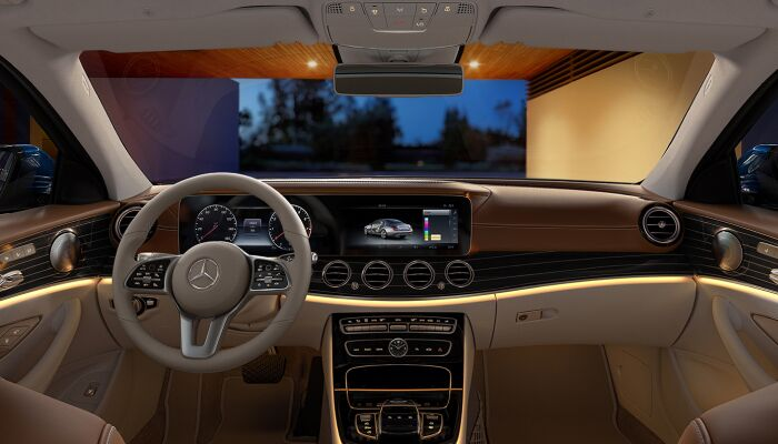 The luxurious interior of the 2019 Mercedes-Benz E 300 4MATIC®