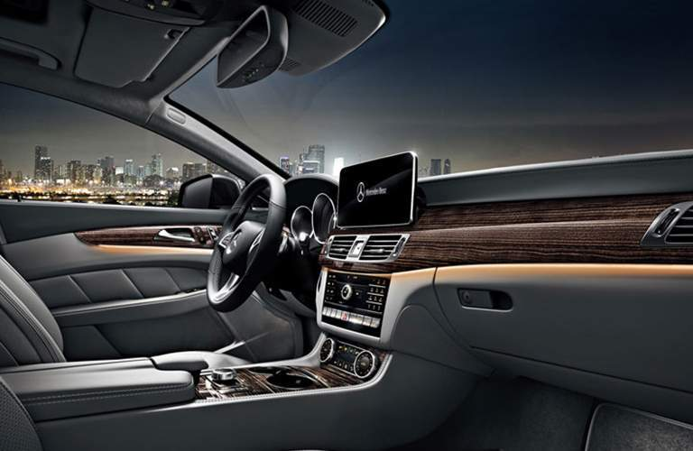 Front seats and infortainment system in the 2018 Mercedes-Benz CLS 550