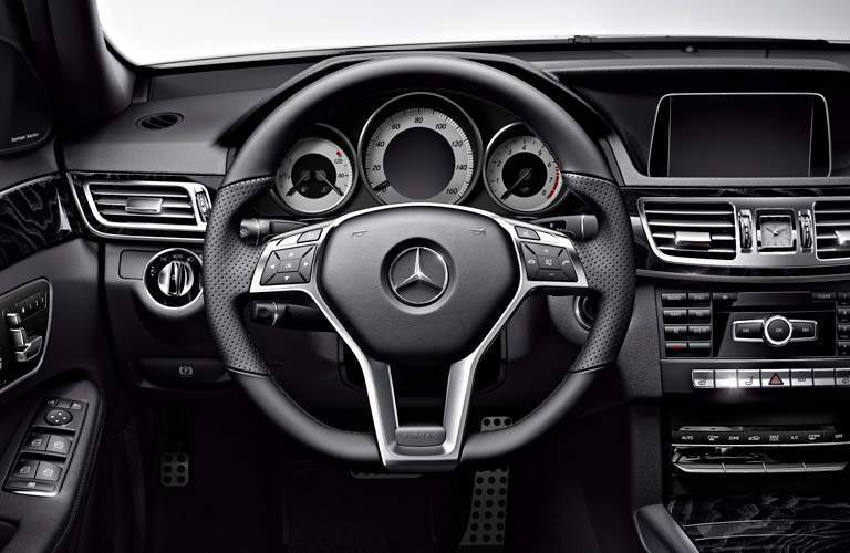 2018 Mercedes-Benz E-Class Wagon interior streering wheel and dashboard