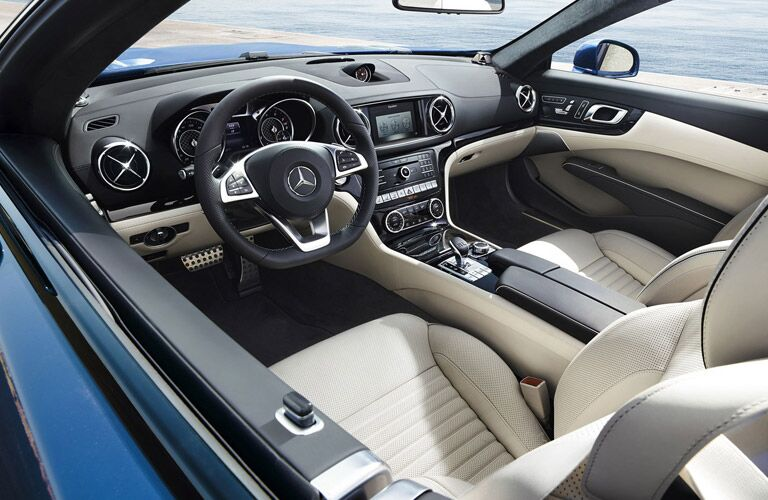 mercedes-benz sl roadster seat material and design