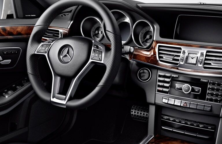 interior and infotainment system of 2017 Mercedes-Benz E-Class Wagon
