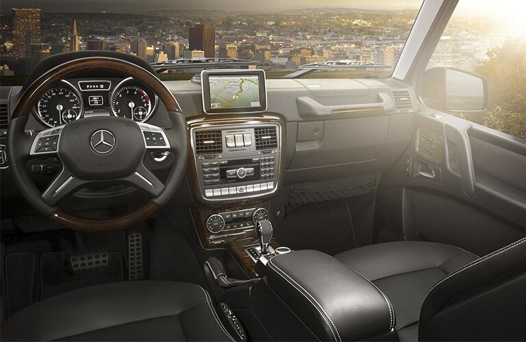 infotainment system and steering wheel of 2017 Mercedes-Benz G-Class