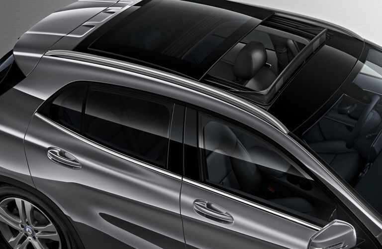 available sunroof in 2017 Mercedes-Benz GLA