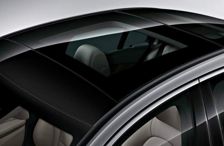 Standard sunroof on 2018 Mercedes-Benz C-Class