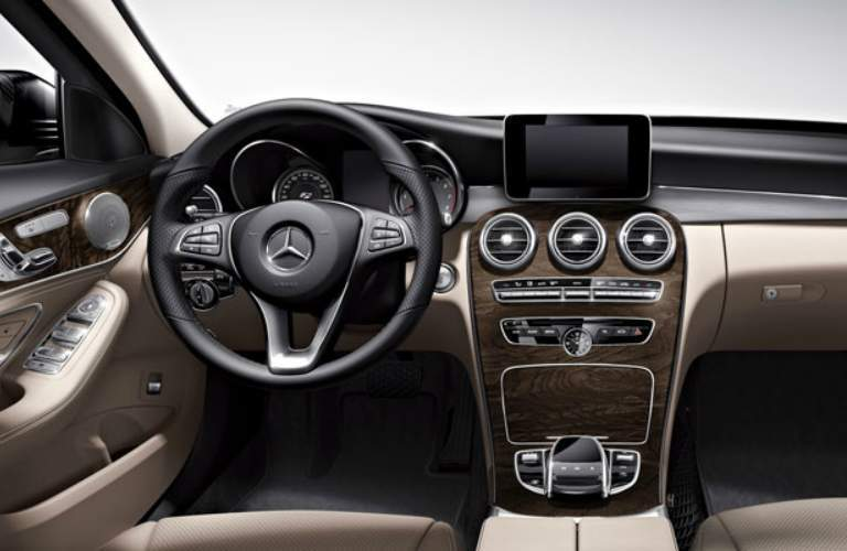 Steering wheel and infotainment system of 2018 Mercedes-Benz C-Class