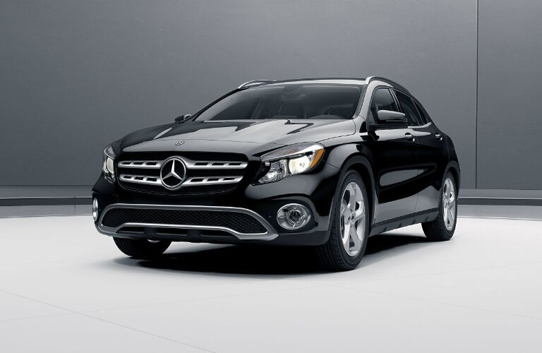 front left view of the 2018 Mercedes-Benz GLA