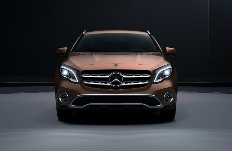 Oncoming view of the 2018 Mercedes-Benz GLA
