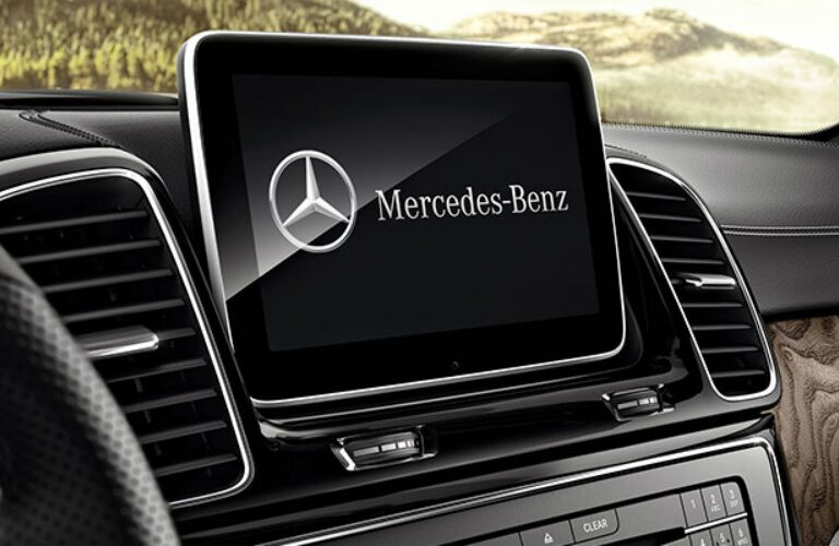 Infotainment system in the 2018 Mercedes-Benz GLE