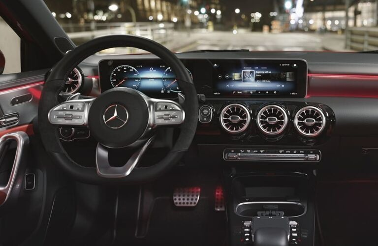 Cockpit view in the 2019 Mercedes-Benz A-Class