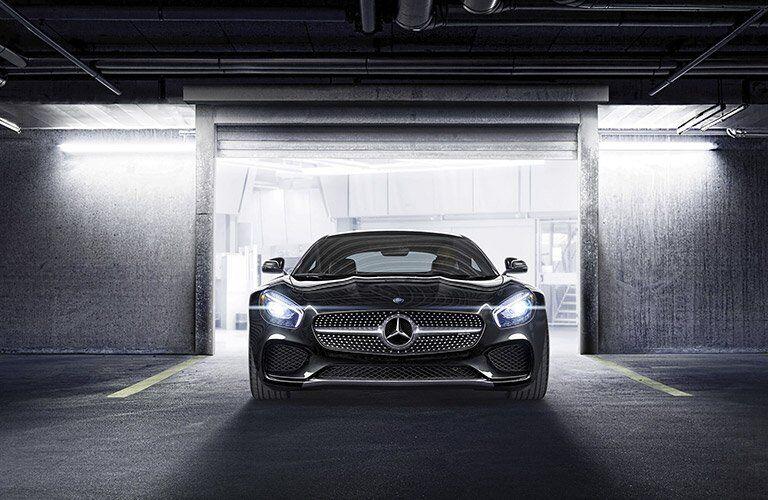 2017 Mercedes-AMG GT front grille design