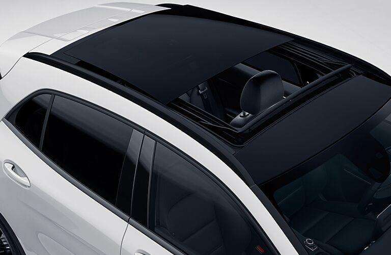2019 Mercedes-Benz GLA sunroof