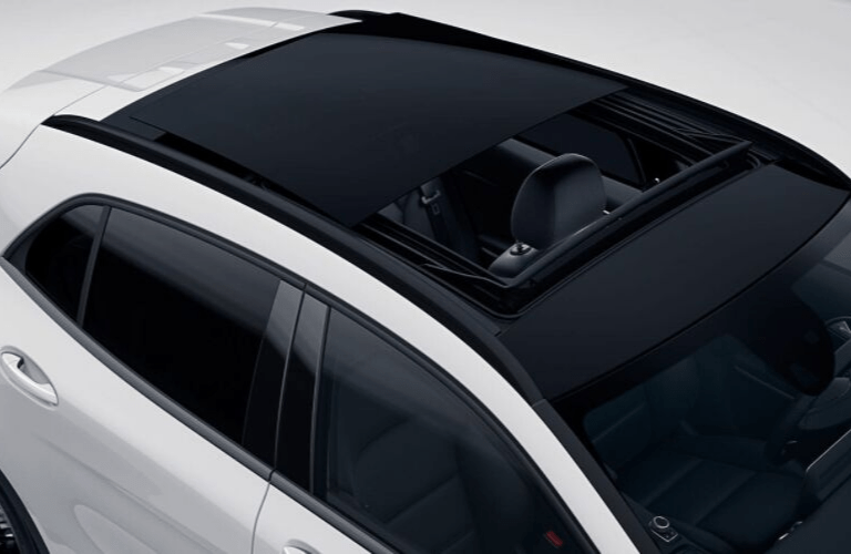 2020 Mercedes-Benz GLA sunroof