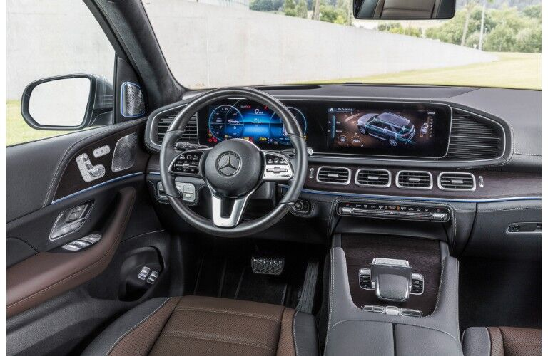 2020 Mercedes-Benz GLE SUV redesigned interior shot of driver's seat steering wheel, dashboard technology and layout