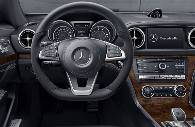 2020 Mercedes-Benz SL steering wheel and infotainment display