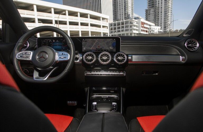 2021 Mercedes-Benz GLB interior front dash