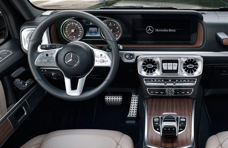Drivers cockpit in 2020 Mercedes-Benz G-Class