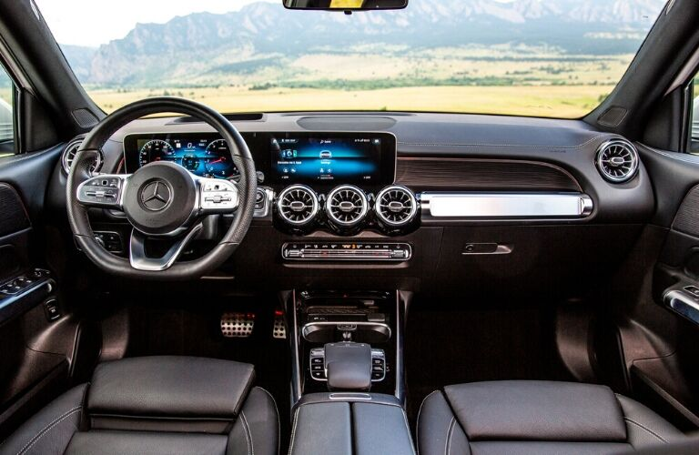 Front seats and dash in 2020 Mercedes-Benz GLB