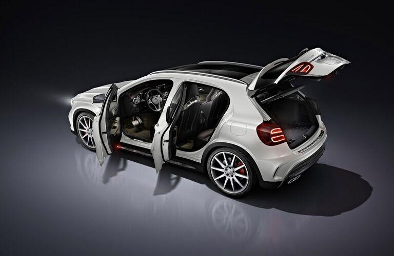 2017 Mercedes-Benz GLA doors open