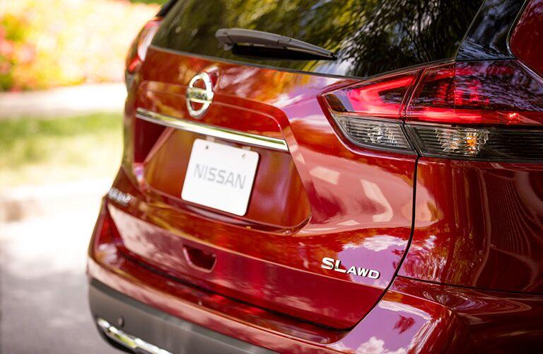 2019 Nissan Rogue rear profile