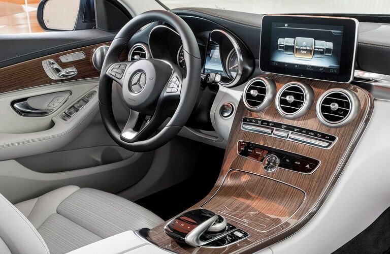 2014 Mercedes-Benz C-Class dashboard view and infotainment