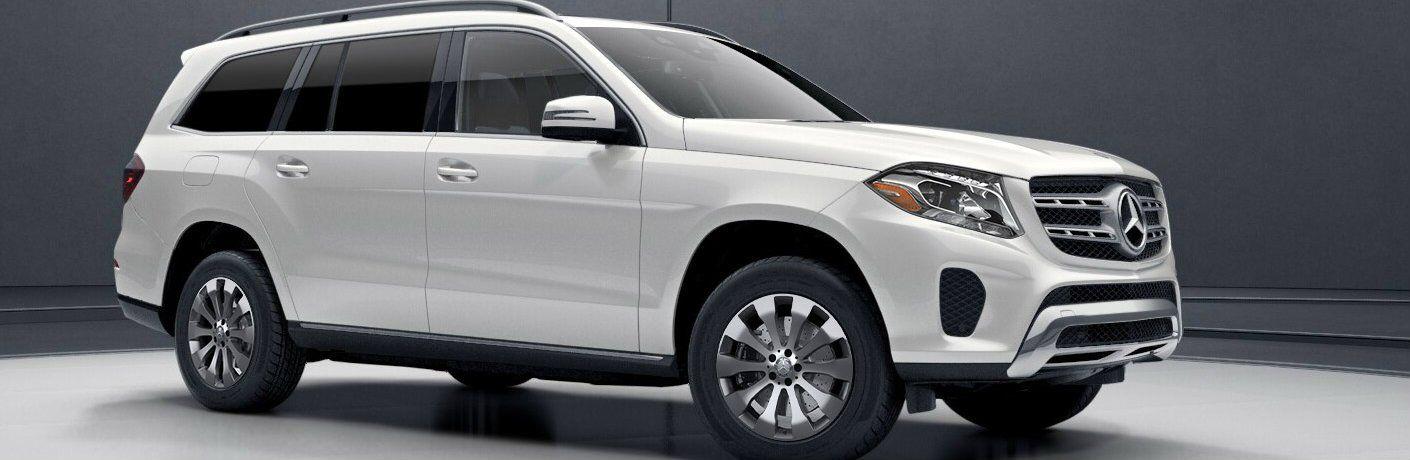 2017 Mercedes-Benz GLS exterior profile