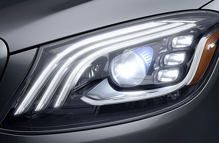2019 Mercedes-Benz S 450 4MATIC® headlight