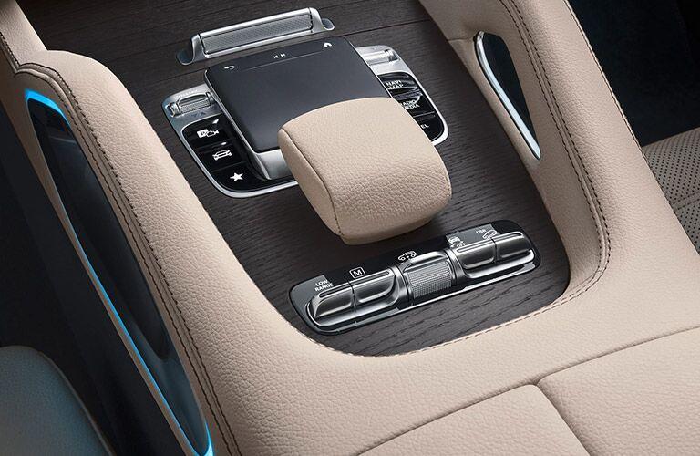 2020 Mercedes-Benz GLS center console