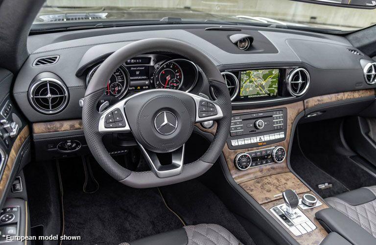 2020 Mercedes-Benz SL Roadster front interior