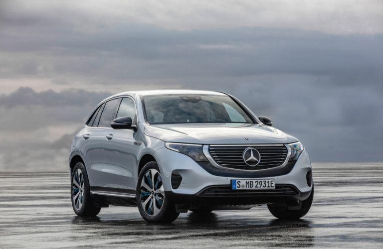 2020 Mercedes-Benz EQC exterior profile