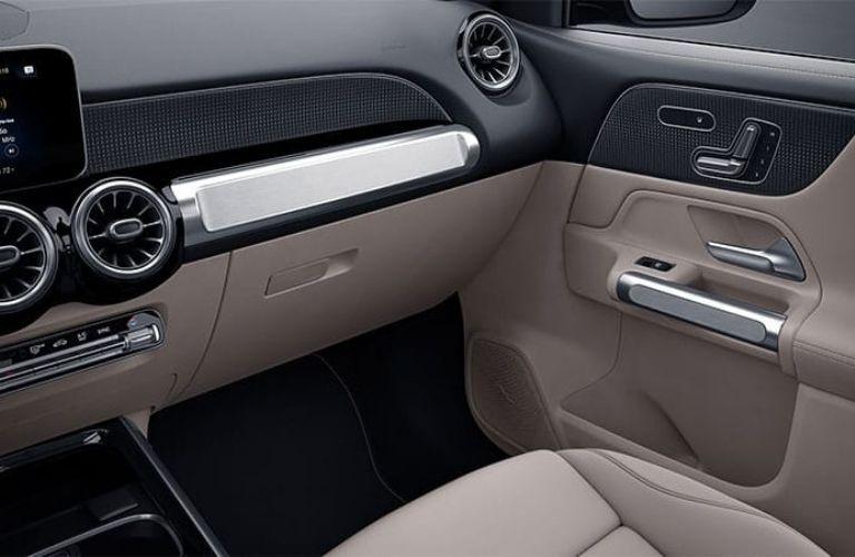 2021 GLB SUV interior