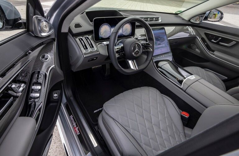 A photo of the driver's cockpit in the 2021 Mercedes-Benz S 500 4MATIC® Sedan.