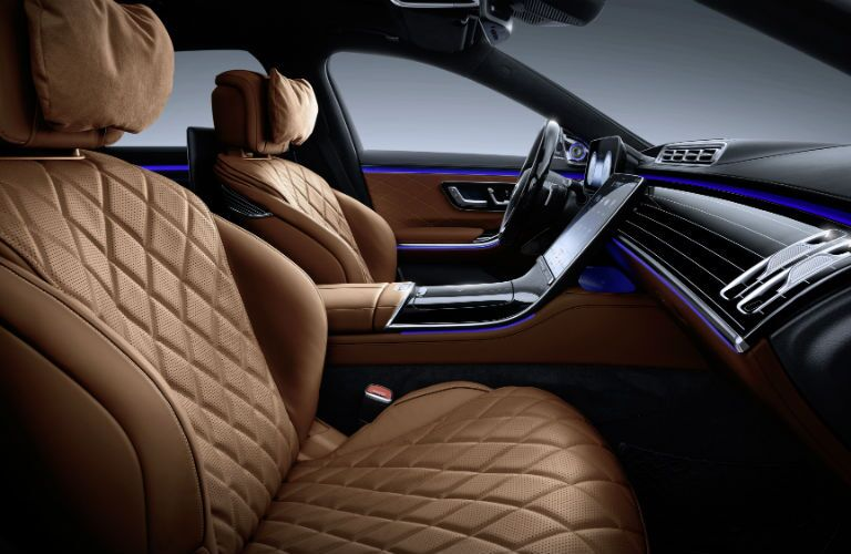 A photo of the front seats in the 2021 Mercedes-Benz S-Class.