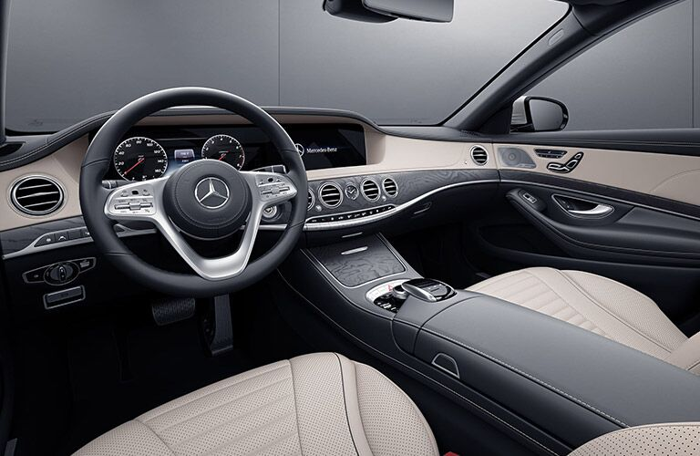 A photo of the driver's cockpit in the 2020 Mercedes-Benz S 450.
