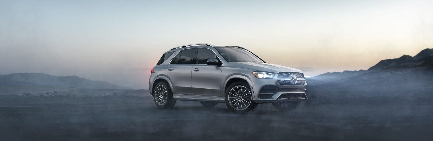 A front right quarter photo of the 2021 Mercedes-Benz GLE SUV in Indianapolis, IN.