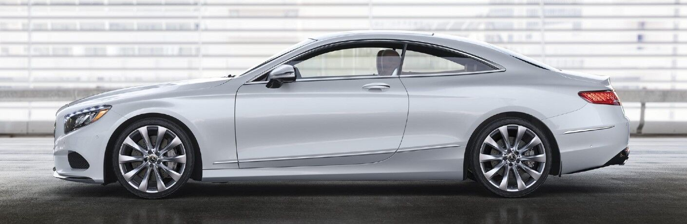 A left profile photo of the 2021 Mercedes-Benz S 560 4MATIC®.