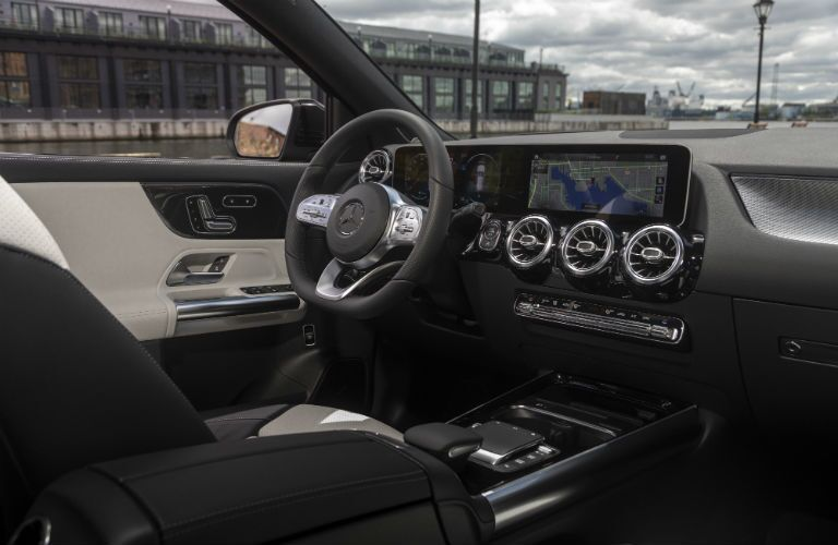 A photo of the driver's cockpit in the 2021 Mercedes-Benz GLA.