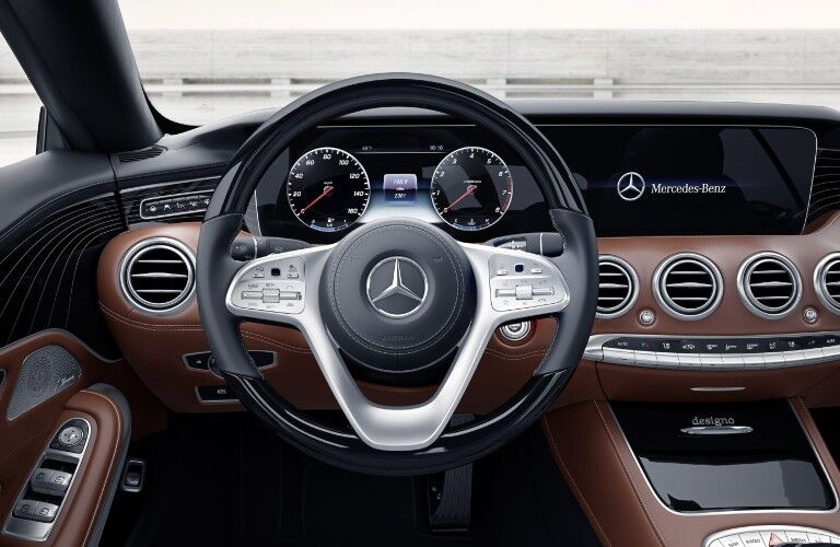 The driver's cockpit in the 2021 Mercedes-Benz S 560 Coupe 4MATIC®.