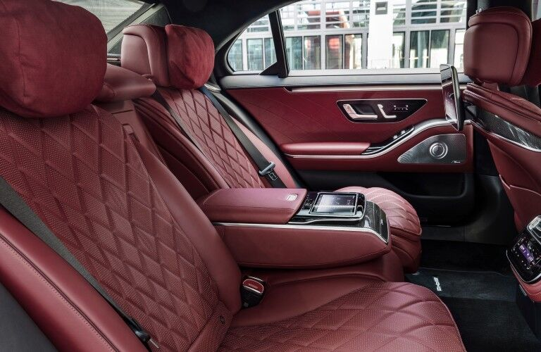 A photo of the back seats in the 2021 Mercedes-Benz S 580 4MATIC® Sedan.