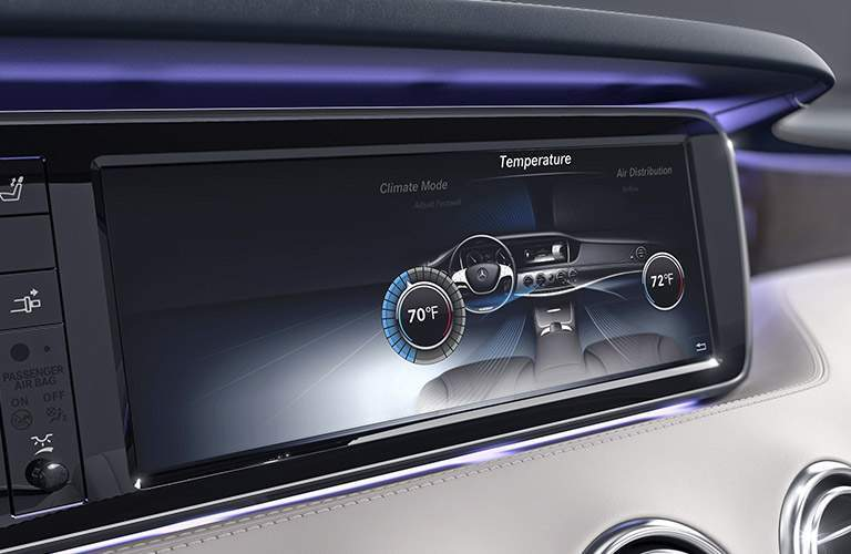 2017 Mercedes-Benz AMG S63 Coupe entertainment screen