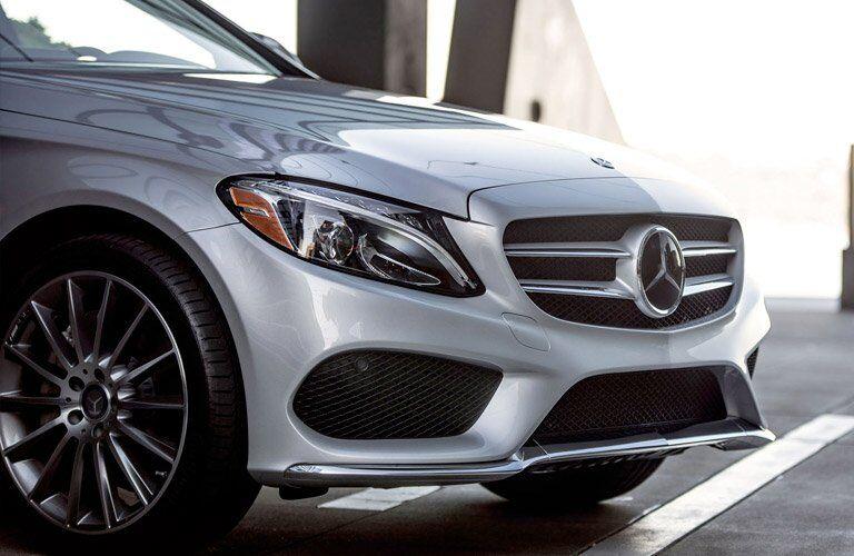 2017 Mercedes-Benz C300 front exterior