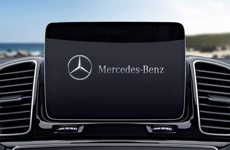 2018 Mercedes-Benz GLS 450 4MATIC entertainment screen