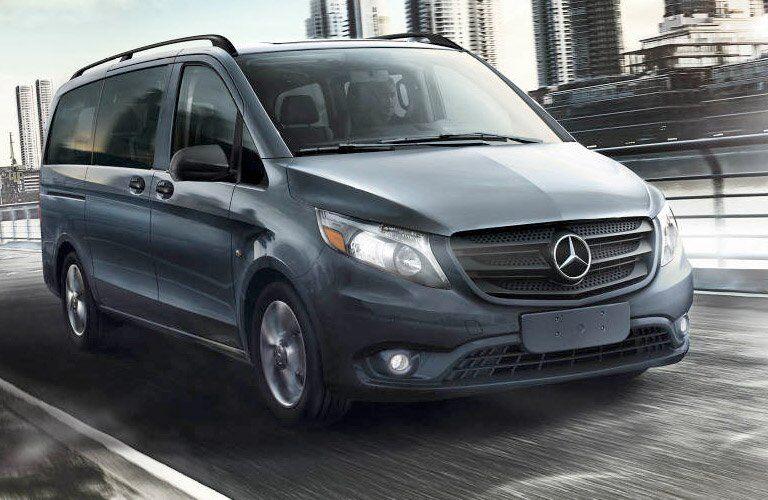 2017 Mercedes-Benz Metris Passenger Van Exterior Front Profile