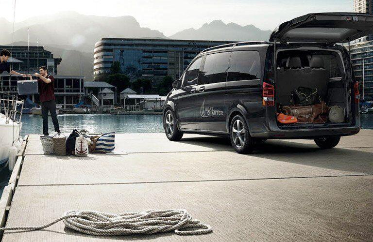 2017 Mercedes-Benz Metris Passenger Van Exterior Rear Profile