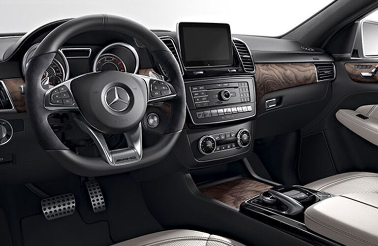 2019 Mercedes-Benz GLE 400 4MATIC® front interior