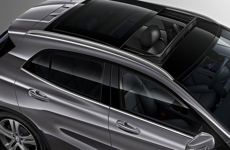 2017 Mercedes-Benz GLA with sunroof