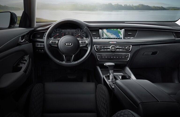 Cockpit view in the 2019 Kia Cadenza