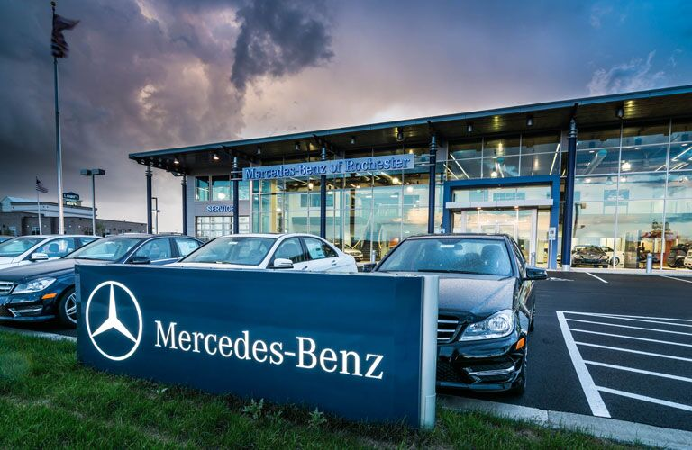 Rochester minnesota mercedes benz smart dealership for Rochester mercedes benz