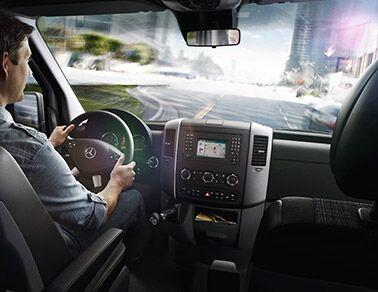 New <ercedes-Benz Sprinter interior