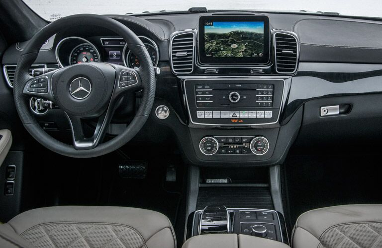 Steering wheel and dashboard of the 2017 Mercedes-Benz GLS